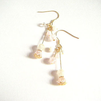 Soft pink cracked crystal earrings, soft pink earrings, wedding earrings, dangle earrings, glass beads earrings, gift for her, gift under 10