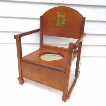 Vintage Potty Chair / Childs Folding Chair / Wood Potty Chair / Retro Baby Seat – Bear Decor – Plastic Chamber Pot