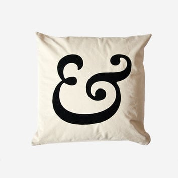 Caslon Ampersand Cushion