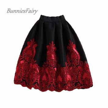 BunniesFairy 2016 Autumn Winter New European American Royal Vintage Style Black Hidden Plaid Skirt Burgandy Lace Embroidery Tutu