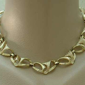 CORO Trumpet Flower Scroll Link Necklace Vintage Jewelry