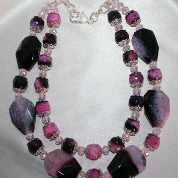 Bold Pink and Black Druzy Agate Statement Necklace, Chunky Onyx Agate and Pink Crystals, Black and Pink Crackle Agate Flat Nugget Necklace