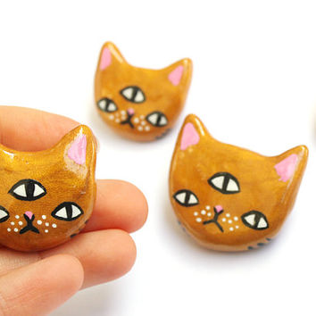 Clay Three-eyed Kitty Brooch