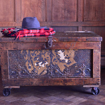 Antique Coffee Table Trunk, Industrial Coffee Table With Storage, Wooden Toolbox Repurposed Trunk