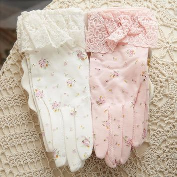 2017 NEW Women Sunscreen Gloves Sweet Lace Elegant Lady Summer Glove Non-Slip Anti-UV Cotton Touchscreen Driving Gloves T245