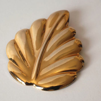 Large Scarf Holder,Leaf Shaped Scarf Clip, Vintage Scarf Slide, Scarf Jewelry,Gold Tone Scarf Ring,Oversized Scarf Clip,Shawl Clip Accessory