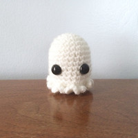 Amigurumi Ghost Plushie - Crochet Amigurumi - Miniature Ghost - Nerdy Crochet - Geekery - Kawaii Ghost Stuffy - Halloween Party Favor