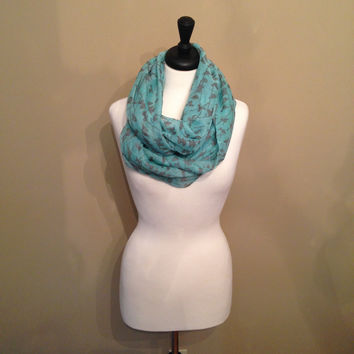 Little Bird Mint Scarf by KnitPopShop