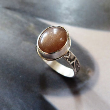 Peach moonstone silver ring, textured handmade metalwork ring, natural jewelry, OOAK