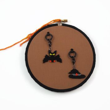 Halloween Bat And Witch Hat Beaded Charm Set With Decorative Wall Holder