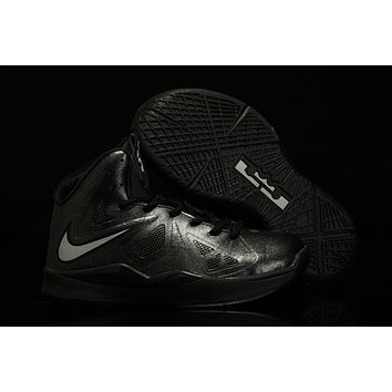 Nike LeBron Black/Silver Youth Kids Basketball Shoes US 11C - 3Y