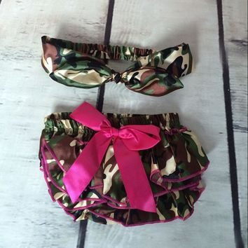Newborn outfit ,Camo Printed Bloomer Matching headband ,baby Photo Prop ,Pink Bow Toddler bloomer set ,baby  clothes