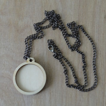 Mini Embroidery Hoop pendant kit: Round
