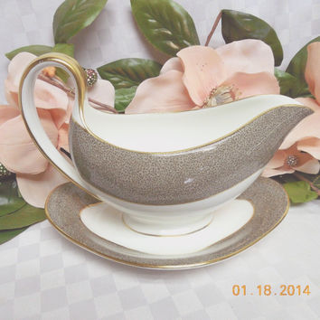 Wedgwood China Dinnerware Elaine Pattern #:W4241 Gravy Boat With Attached Plate