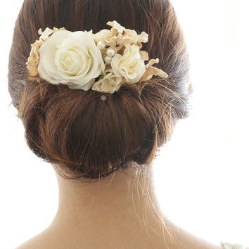 Bridal Hair Accessory,vintage ivory and white rose, Silk Flower Hair comb, Bridesmaid, Rustic Chic Romantic outdoor wedding woodland