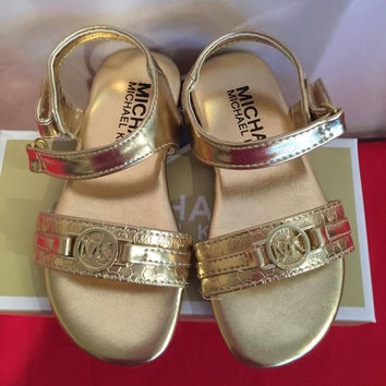 Michael Kors Lil Gramm Gold Sandals With MK Logo Size 9 Girls