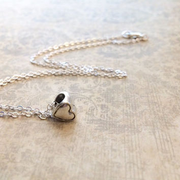 Silver Heart Necklace, Dainty Necklace, Small Heart Necklace, Valentine's Day Gift, Silver Charm Necklace, Silver Necklace, Love Necklace