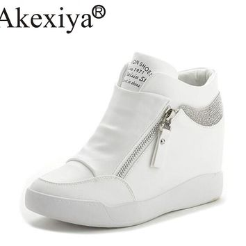 Akexiya Hot Sale New Wedge Sneakers Hidden Heels Women s Elevator Running  Shoes With Zipper Black White e62ea2866
