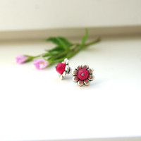 DAISY stud earrings // ruby, sterling silver, silver daisy flower