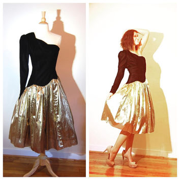 1980s Gunne Sax One Sleeve Velvet Bust Gold Full Crinoline Skirt Party Evening Avant Garde Fancy 80s Prom Dress size 7