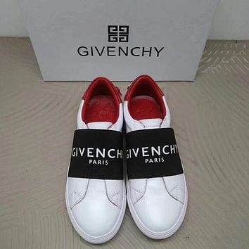 GIVENCHY Urban Street Leather Sneakers in White-1
