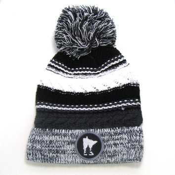 Chunky Knit Pom Pom Beanie - Minnesota gray and black
