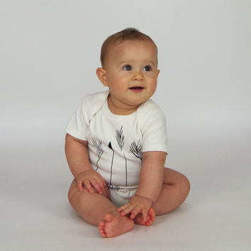 Arrows Organic Baby Bodysuit in Natural