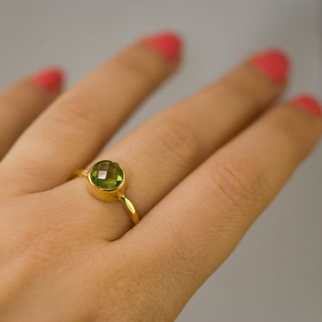 SUMMER SALE - Peridot Stacking Ring - Bezel Ring  - Gemstone Ring- Gold Ring - August Birthstone Ring