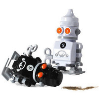 ThinkGeek :: Salt & Pepper Robots