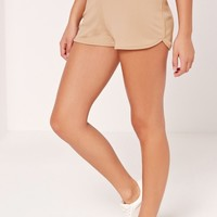 Missguided - Petite Exclusive Ribbed Runner Shorts Camel