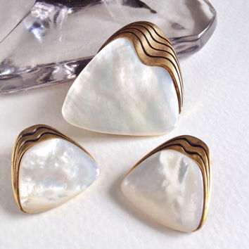 Mother of pearl and gold brooch and earrings, abalone shell, Ges Gesch, German made vintage jewelry, geometric jewelry, retro style, 1950s