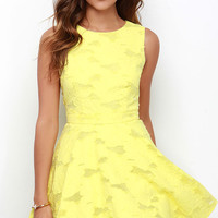 Get Glowing Yellow Dress