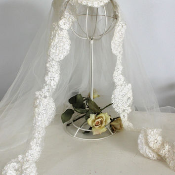 Vintage 1950s Wedding Veil With Alencon Lace And Pearls