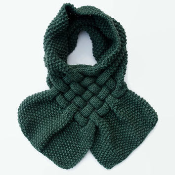 Chunky Scarf - Green Hand Knitted Scarf for Women - Fall / Winter Accessories - Handknit Wool Scarves - Handmade Knit Scarf