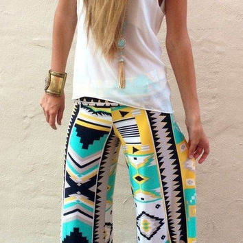 Fashion Green Geo Patterned Palazzo Pants