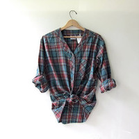 20% OFF SALE. Vintage boyfriend flannel / Grunge Shirt