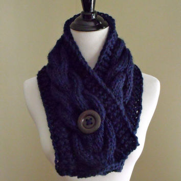 Women's Chunky Cable Knit Short Scarf in Navy Blue with an Espresso Brown Natural Wood Button