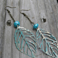Boho leaves earrings. Chain dangle earrings. Turquoise leaves earrings. Bronze bohemian earrings.