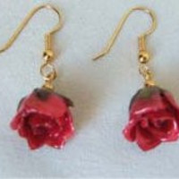 Rosebud Earrings Red