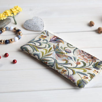 Birds pencil case, Pencil Pouch, Cosmetic pouch, Make Up Pouch, Charger bag, Project bag, Travel bag, Bridesmaid gift, Bridal purse