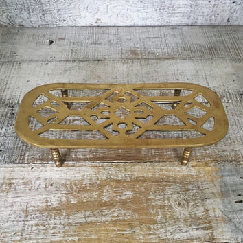 Trivet Brass Ornate Brass Hot Plate Brass Trivet Mid Century Kitchen Mid Century Trivet Hollywood Regency Decor Small Brass Plant Stand