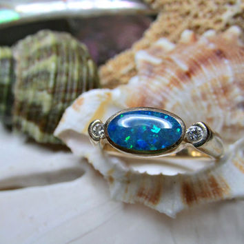 14k Opal and Diamond Ring 4.41grams Yellow Gold Size 6