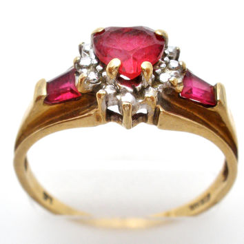 10K Gold Ring with a Ruby Heart Size 7 Vintage