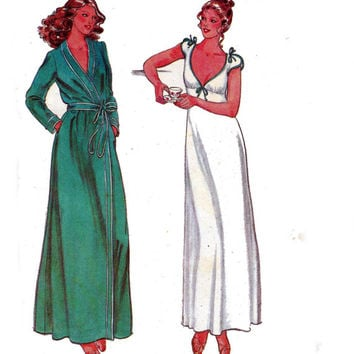 John Kloss Nightgown & Robe 1970s Sewing Pattern Butterick 6370 Vintage Size 12 Bust 34 UNCUT FF