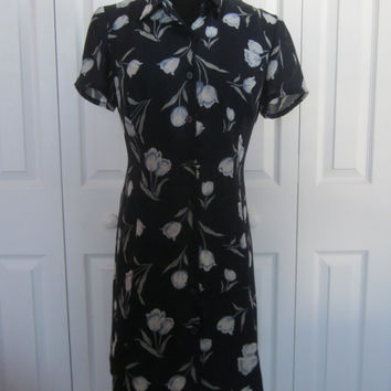 Vintage 90s Grunge Floral Dress, Navy with Tulips, Button Front Tie Back Dress, Lined Polyester,  Short Cap Sleeve Dress, Womens 6