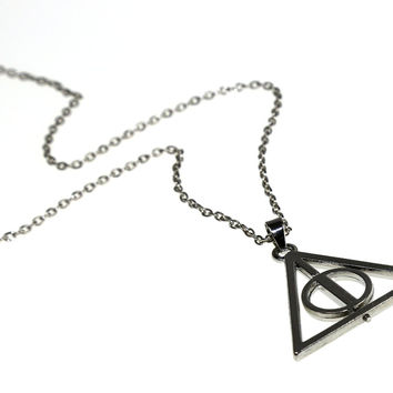 Harry Potter Deathly Hallows Silver Turnable Rotating Spins Alloy Necklace
