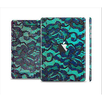 The Blue & Teal Lace Texture Full Body Skin Set for the Apple iPad Mini 2