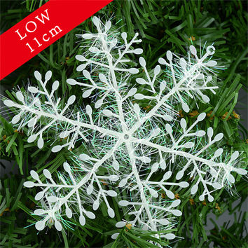 Snowflake Christmas Ornament 30pcs White Plastic Snowflakes Xmas Tree Christmas Decorations Snowflake