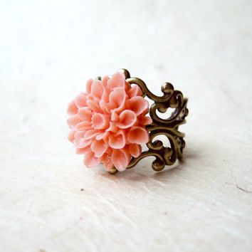 Coral Pink Dahlia Flower Ring. Adjustable Bronze Filigree Ring with Resin Flower Cabochon. Sweet Spring Floral Jewellery. Boho Chic Jewelry.