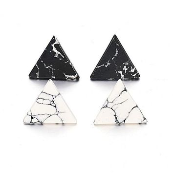 MARBLE STONE TRIANGLE EARRINGS
